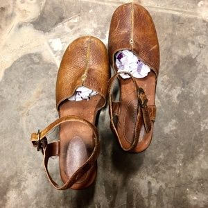 Naturalizer clogs beige leather size:7.5